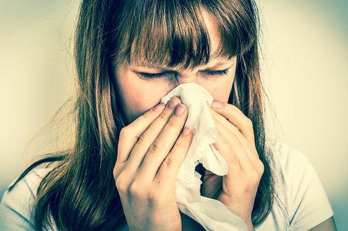 くしゃみを防ぐために、すぐできる方法