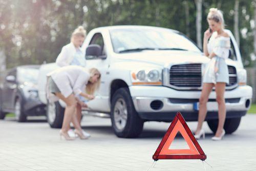 同乗者の行為で交通事故