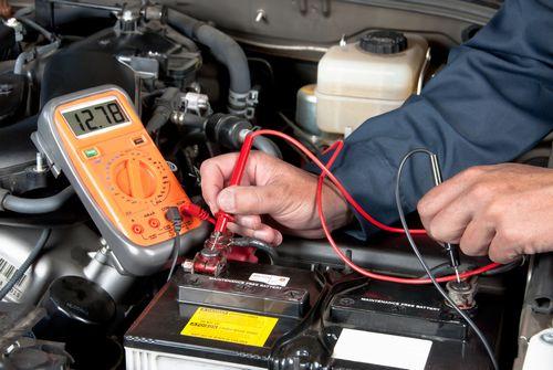車のバッテリー電圧が低下って寿命!?