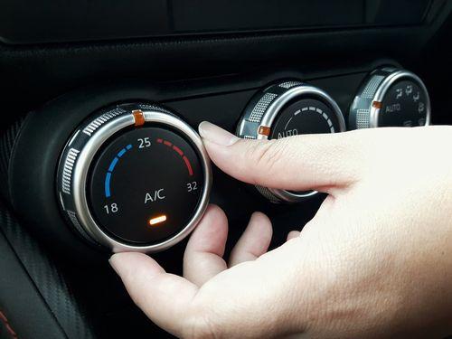 バッテリーに負担を掛けないエアコンの使い方