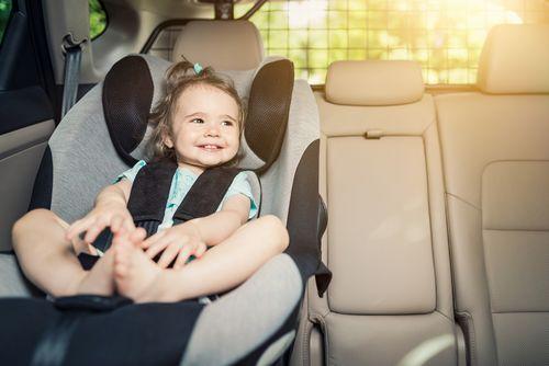 車に子どもを乗せるときの注意点